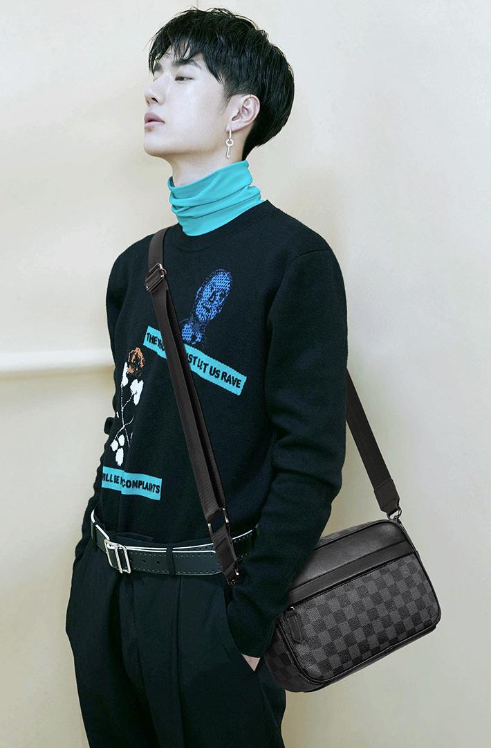 人気 メンズ ショルダー バッグ 販売 本革 男性 用 ショルダー バッグ メッセンジャー バッグ おすすめのミニ 斜 めがけ バッグ 通学 通勤鞄 小振り 軽量 実用 高 機能 肩掛け カバン 0