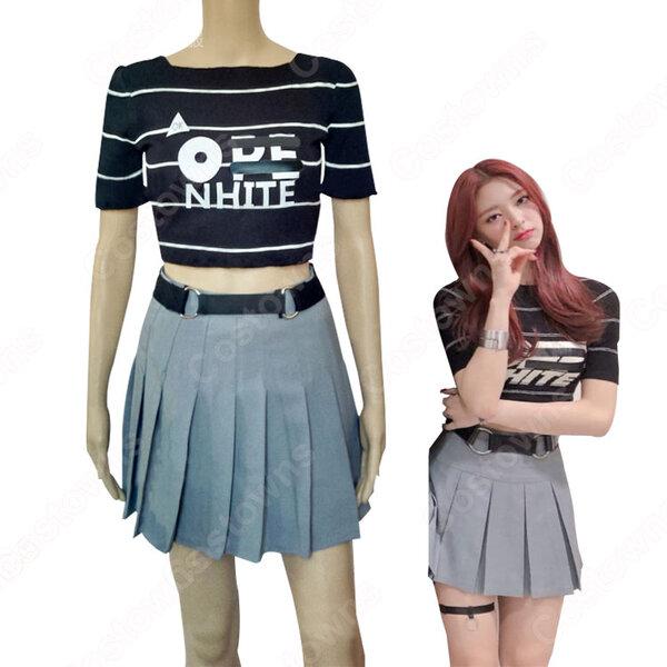 ユナ(YUNA)ジャズダンス衣装 ITZY ステージパフォーマンス同じ衣装 韓国 アイドル 仮装 ステージ 演出服 クロップドトップス プリーツスカート 2 ピースセット 女性用元の画像